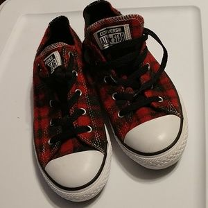 Converse All Star low tops sz 4 new